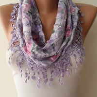 Lilac Scarf with Trim Edge