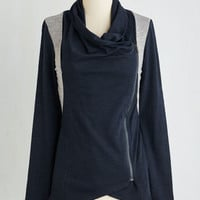 Mid-length Long Sleeve Airport Greeting Cardigan in Navy and Gray