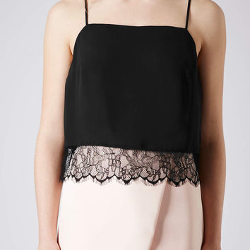Straight Neck Lace Hem