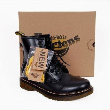 PEAP2Q 2017 model1460 20 dr martens classic 8 holes high top men women boots color black