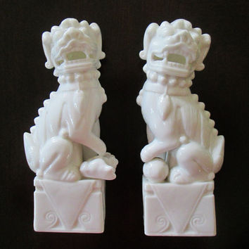 Vintage Japan Foo Dogs Pair White Porcelain