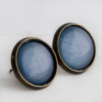 Periwinkle Pelican Post Earrings in Antique Bronze