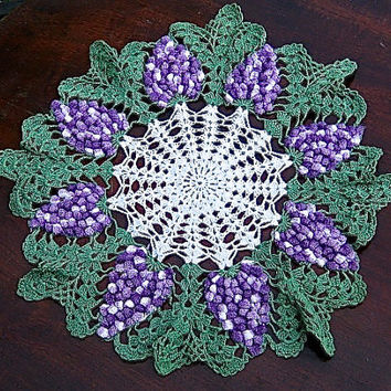 Vintage Crocheted Round Doily Centerpiece Green Purple Grapes Doily