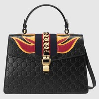 Gucci - Sylvie medium Gucci Signature bag