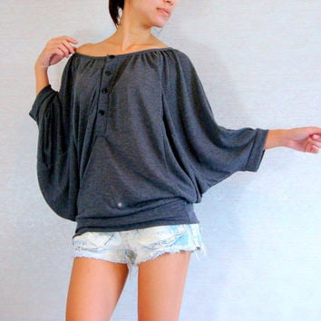 Oversized off shoulder batwing sleeve top, grey gray shirt, large / Oversized Top / Grey blouse / Casual Chic Women's Top - Gray T shirt