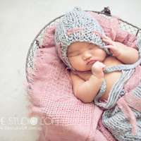 Baby Diaper Cover and bonnet set, Newborn Photography, Baby knit Bloomers, Baby girl photography