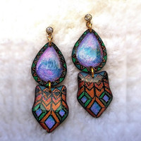 WATER DROP AND SHIELD PAIR TRIBAL PATTERN EARRING