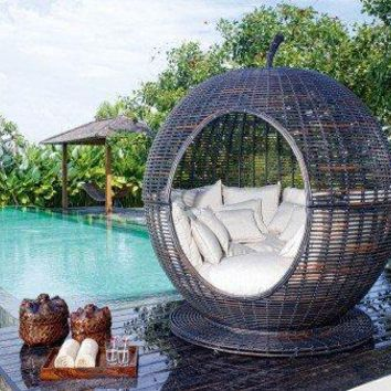 Striking Outdoor Daybed Furniture   Opulentitems.com