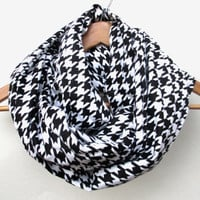 Houndstooth Flannel Infinity Scarf // Black Houndstooth // Alabama Houndstooth // Black and White Scarf // Crimson Tide // Houndstooth //