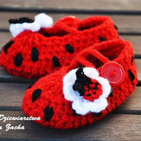 Red Crochet baby shoes, baby booties , ladybird shoes , baby slippers , summer baby girl shoes