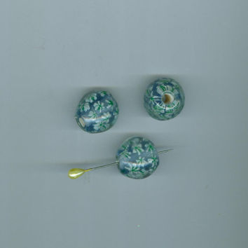 Vintage  Candisa  4 Pale Aqua Blue  Venetian Glass Daisy Flowered Beads 20 mm