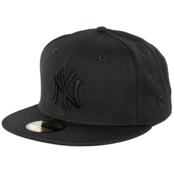 "New Era 59Fifty New York NY Yankees ""Blackout"" Fitted Hat (Black/Black) Mens Cap"