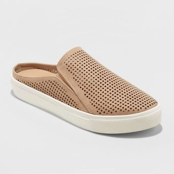 Women's Meena Slip on Sneakers - Universal Thread™
