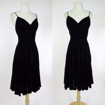 1990s black velvet dress, fit and flare spaghetti strap sweat heart neckline A line dress, Cassadei, Medium