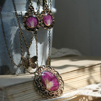 Real flower necklace and earrings set - purple flower - carnation petals in resin - botanical jewelry - nature jewelry -s0001