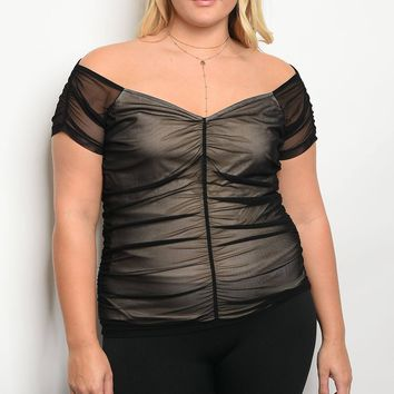 Plus size short sleeve mesh lines top with a sweetheart neckline