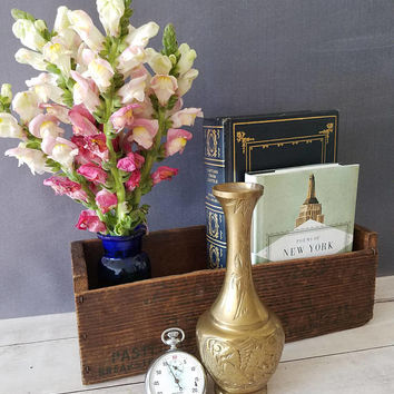 Brass Vase/ Vintage Brass Vase/ Hollywood Regency Vase/ Brass Bud Vase/ Gold Vase/ Small Brass Vase/ Brass Decor/ Mid Century Vase