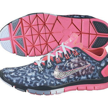 Nike Free TR connect 2 made with SWAROVSKI ELEMENTS™ detail - Grey / Pink/Cheetah