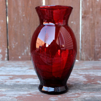 Small Vintage Red Glass Vase | Retro Home Decor | Vintage DIY Wedding Decor