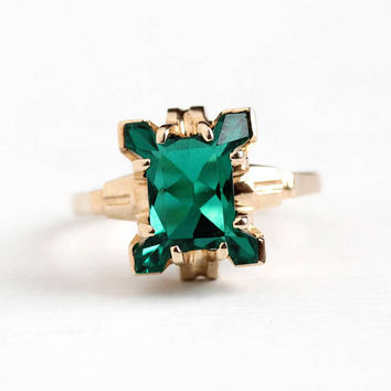 Vintage 10k Yellow Gold Simulated Emerald Ring - Retro 1950s Unique Size 6 Fancy Cut Green Glass Stone May Birthstone HH Helm & Hahn Jewelry
