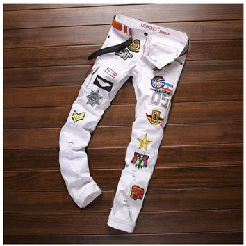 Creative Fashion Patchwork Badge Jeans Men's Denim Hole Jeans Pants 2016 White Washed Vintage Brand Slim Jeans Design Long Pants