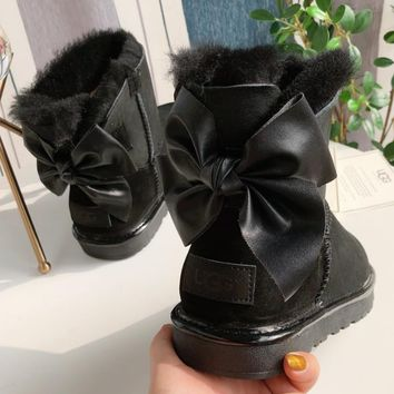 UGG Classic bow fashion boots