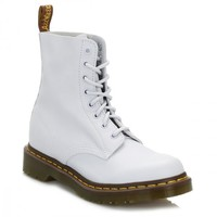 Dr. Martens Womens Blue Moon Pascal Virginia Leather Boots