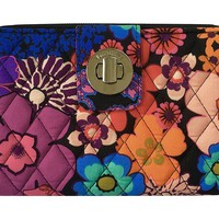 Vera Bradley Womens Turn Lock Wallet