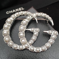 GUCCI women new fashion more pearl brooch accessories Silver