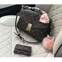 LV LOUIS VUITTON 2018 Classic Messenger Bag Messenger Bag F/A