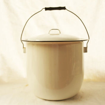 White Enamel Pot, Vintage Enamel Pot with Lid, Cooking Pot, White and Black Enamelware,  Kitchen Enamel Ware Stock Pot