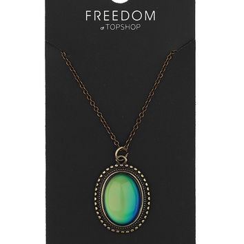 Oval Mood Stone Necklace