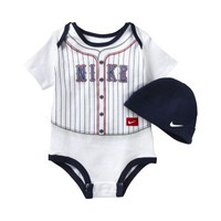 Nike Trompe L'oeil Two-Piece Newborn Kids' Set - White