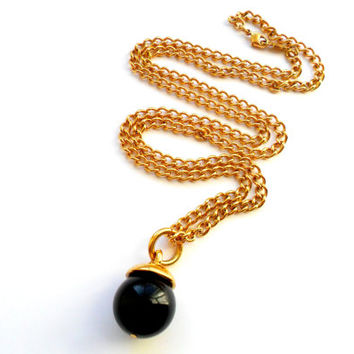 Napier Black Sphere Pendant Necklace Vintage Gold Tone Chain Signed Marked Modern Style Drop Ball