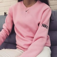 Nike: Fashion Sports Sweater Girl