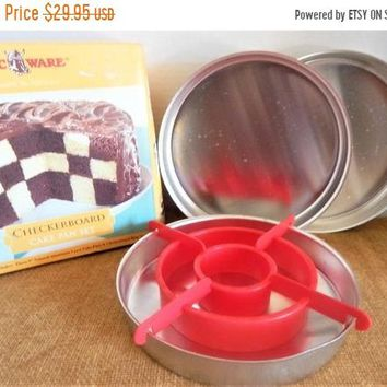 "Checkerboard Cake Pan Baking Set Vintage NordicWare Bakeware Birthday Party Entertaining Equipment 3- 9"" Pans Divider Instructions Box"