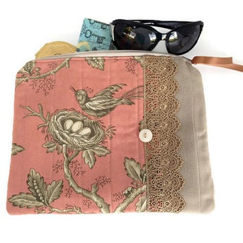 Bird zipper bag, Large Zip Pouch, Pink Zipper purse, Quilted make up bag, Padded tablet bag, French clutch purse, Toile Zipper tote