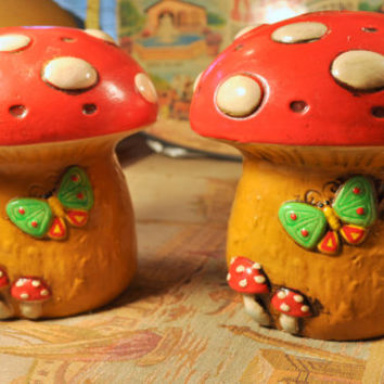 Huge Vintage Salt and Pepper Shakers - Groovy Mushrooms!