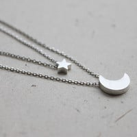 simple crescent with star pendant double layers by Ringostone