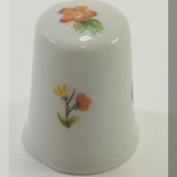 Franklin Mint Limoges France World Greatest Porcelain Houses Thimble from DreamLand Specialties