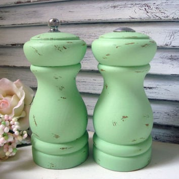 Green Salt Shaker and Pepper Grinder, Mint Green Wooden Salt and Pepper Set, Shabby Chic Pepper Mill, Up Cycled