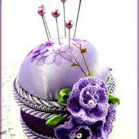 Granny Chic Pincushion lavender purple violets satin crocheted flowers pearls february birthday straight pins sewing quilting rdt