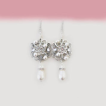 Bridal Earrings Pearl Crystal Earrings Wedding Jewelry Swarovski Earrings Sterling Silver Bridesmaid Jewelry Dangle Drop Earrings Wedding