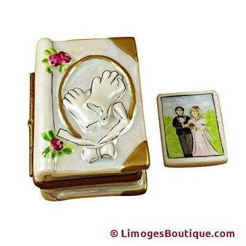 WEDDING BOOK W/COUPLE LIMOGES BOXES