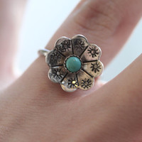 Vintage 70s Southwestern // Flower Turquoise Ring // Sterling Silver // Native American // Unsigned // US Size 6