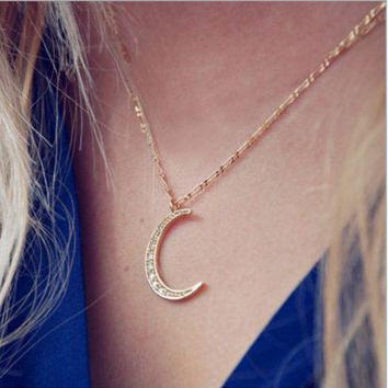 ONETOW Fashion simple and beautiful diamond gold moon necklace