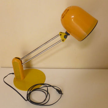 80s Taxi Cab Yellow Articulating Desk Lamp Vintage Metal Base Table Lamp Rotating