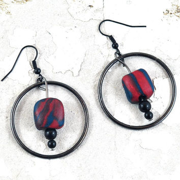 Red Black Marbled Hoop Earrings - Polymer Clay Jewellery with Gunmetal Black - Handmade Minimalist Earrings on Etsy by DeeDeeDeesigns