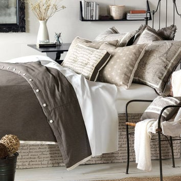 Eastern Accents Daphne Button-Tufted Bedding Collection