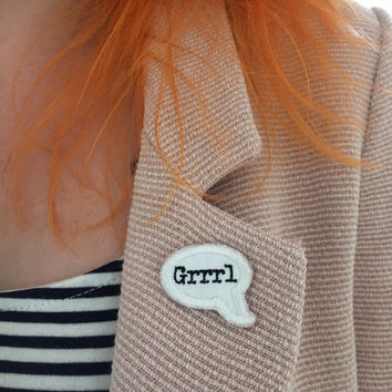 GRRRL SPEECH BUBBLE / feminist embroidery